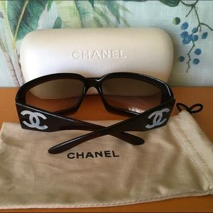 Authentic CHANEL mother of pearl Logo sunglasses